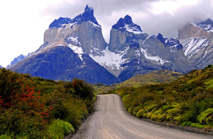 Viagem à Antártica: Punta Arenas - Puerto Natales - Ushuaia, imagem das Torres del Paine.