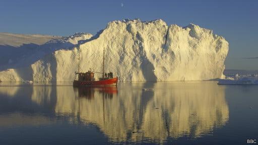 Mares árticos, imagem de navio na antártica