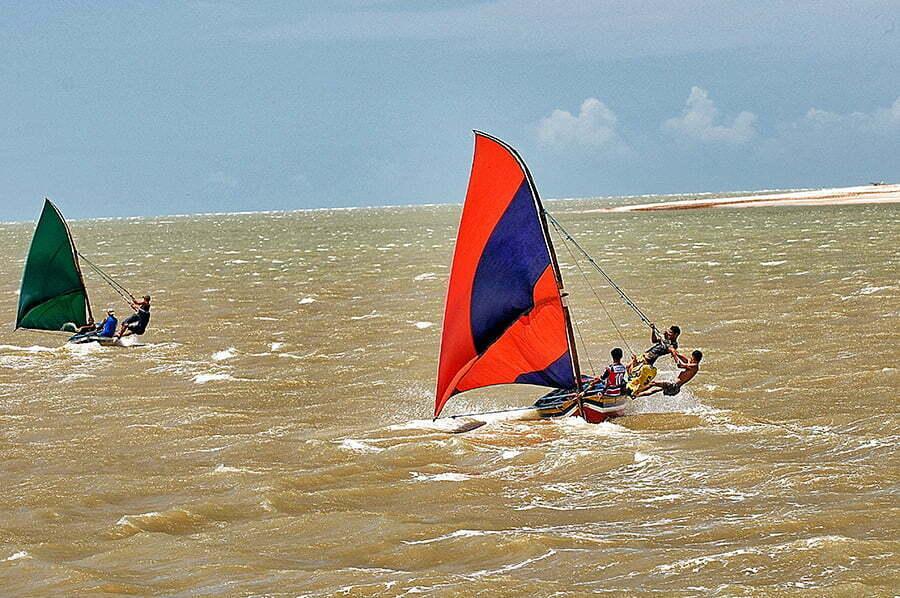Viagens do Mar Sem Fim em fotos. Nº 2, imagem de Regatinha de canoas de risoc no rio Camocim, Ceará.