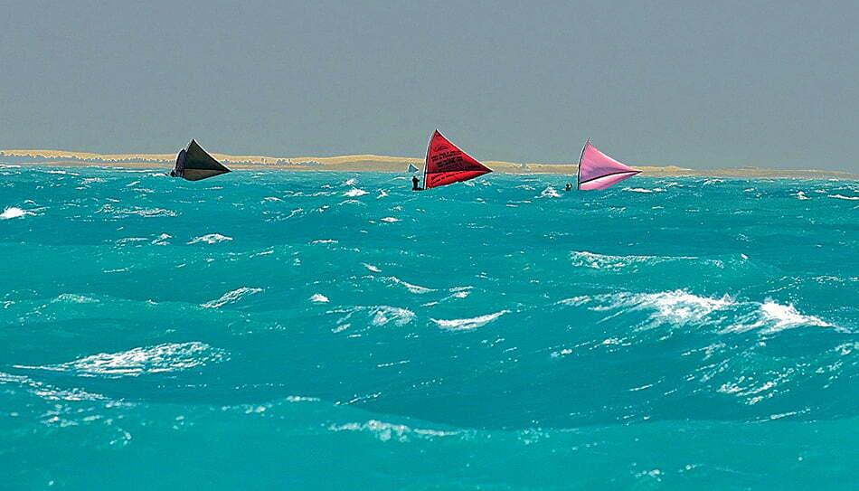 Viagens do Mar Sem Fim em fotos. Nº 2, imagen de Canoas de Risco no litoral do Ceará.
