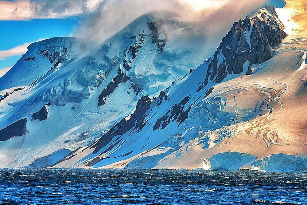Resgate do Mar Sem Fim em fotos., imagem de montanhas na antártica
