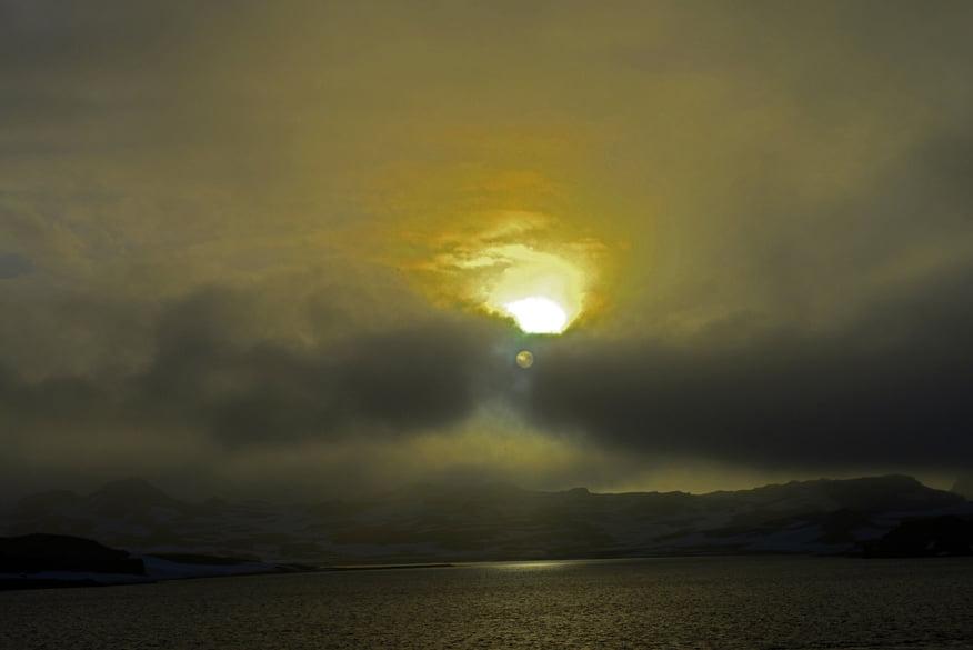 Resgate do Mar Sem Fim em fotos, imagem de por do sol