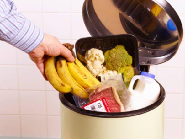 Desperdício de alimento, imagem de panela com alimentos