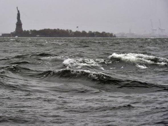 Elevação do nível do mar, imagem do rio hudson e estátua da Liberdade