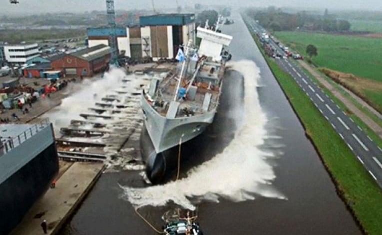 Grandes navios colocados no mar, imagem de Grande navios colocado no mar