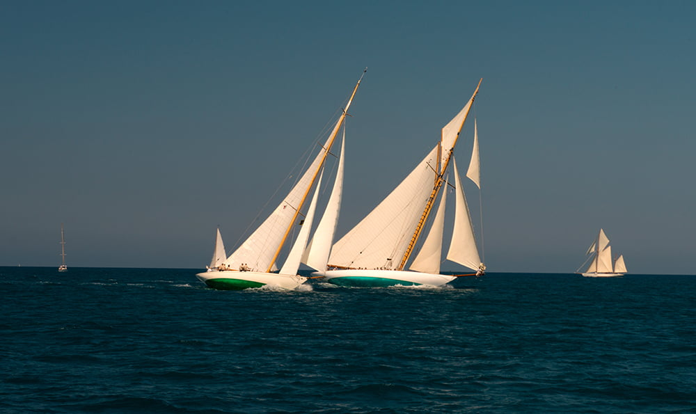 imagem de Dois classe 'J' na regata Pomerai, Mediterrâneo