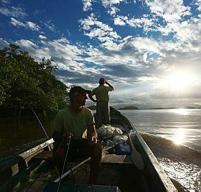Baía da Babitonga,foto de pescadores na Baía da Babitonga