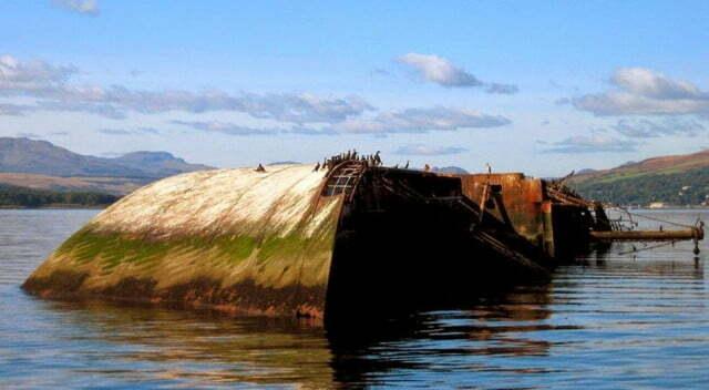 Doze navios naufragados, imagem do navio naufragado MV Captayannis