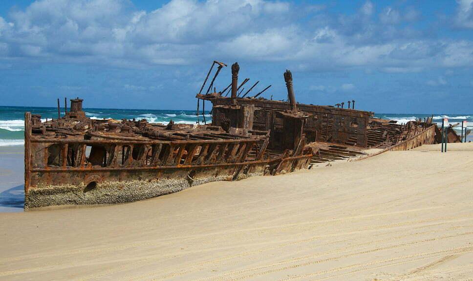 Doze navios naufragados, imagem do navio naufragado SS Maheno
