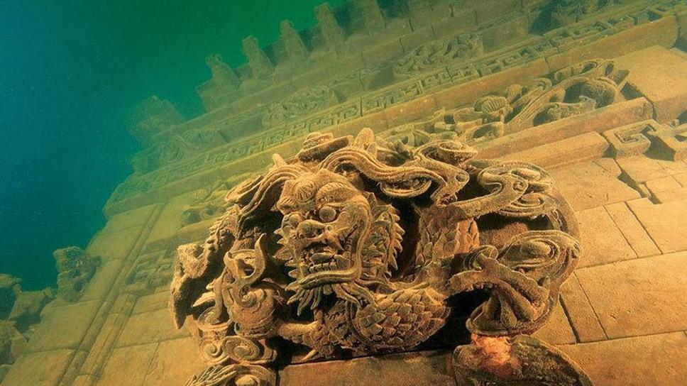 cidade submersa na China, detalhes de prédio em cidade submersa na China