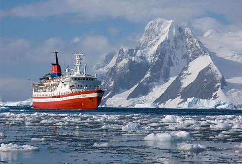 imagem navio na antártica