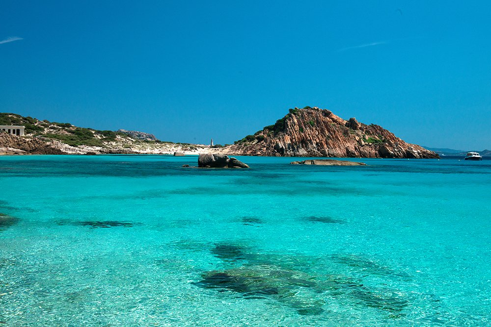 Shamrock V, velejando num sonho, imagem da transparencia-do-Mediterrâneo