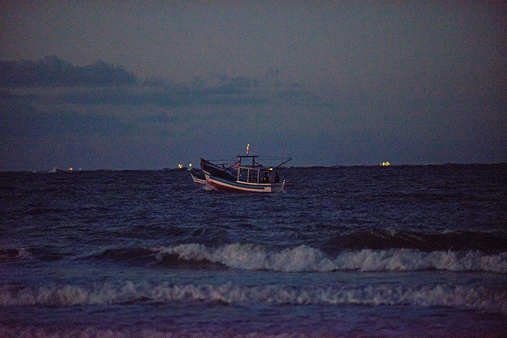 imagem de barco no Parque Nacional do Superagui