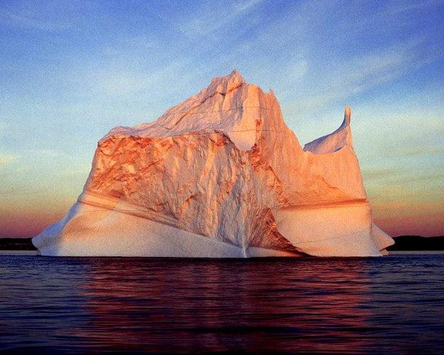 imagem iceberg vermelho