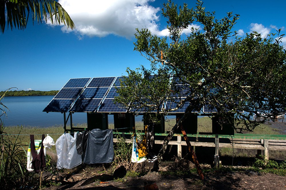imagem do-painel-solar-Parque Nacional do Superagui