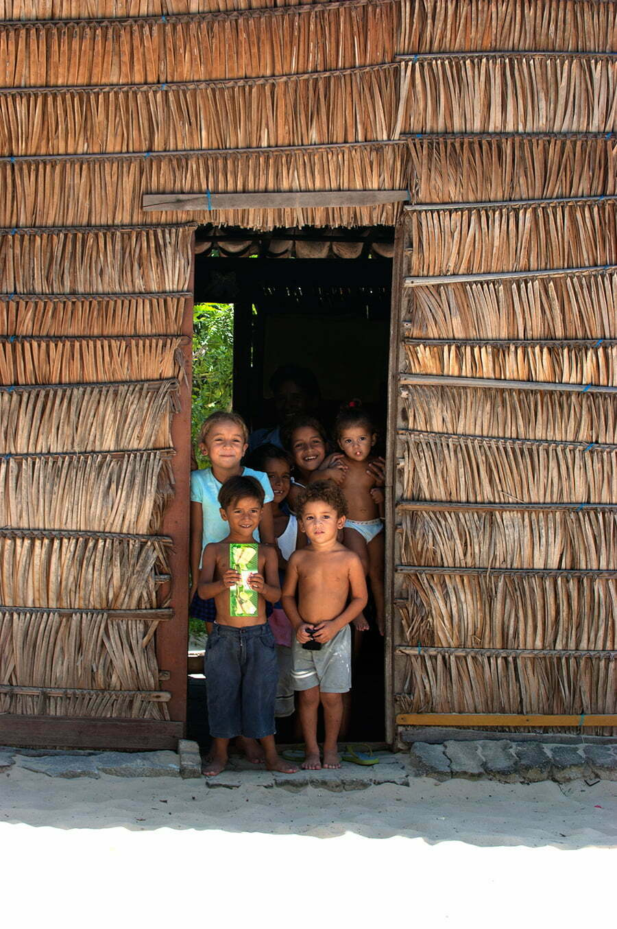 Recursos marinhos vivos: pesca, imagem de casa-de-pescadores- artesanais