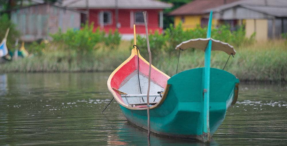 Unidades de Conservação do bioma marinho, imagem de canoa de bordadura