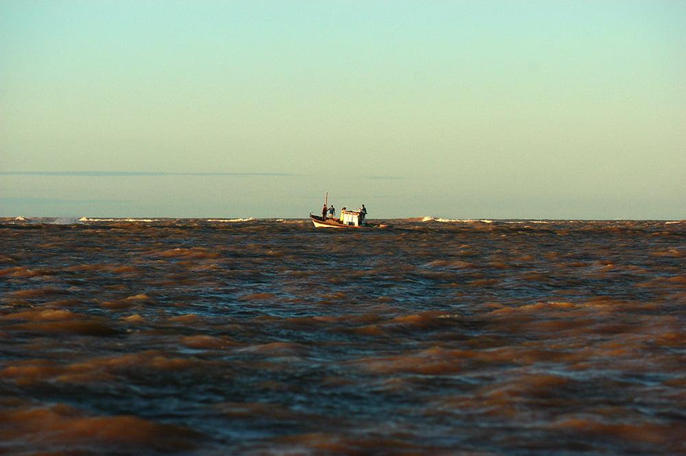 A praia dos Comboios , imagem da-foz-do-rio Doce Reserva Biológica dos Comboios