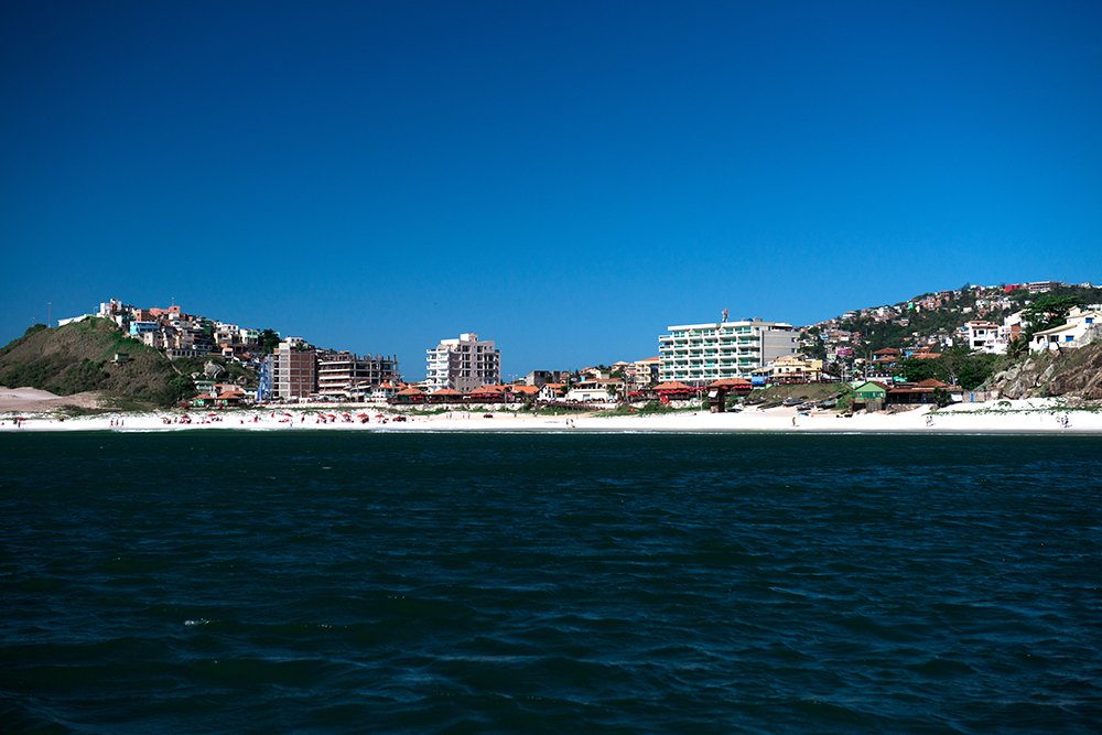 Reserva Extrativista do Arraial do Cabo, Rio de Janeiro, imagem d o-adensamento-na-praia--do-Cabo
