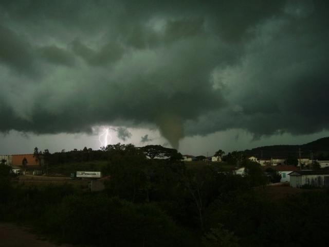 furacão no brasil