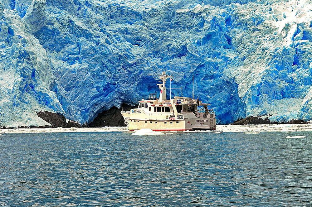 Alonso Irineu Goes, imagem do barco Mar Sem Fim-contra-geleira--