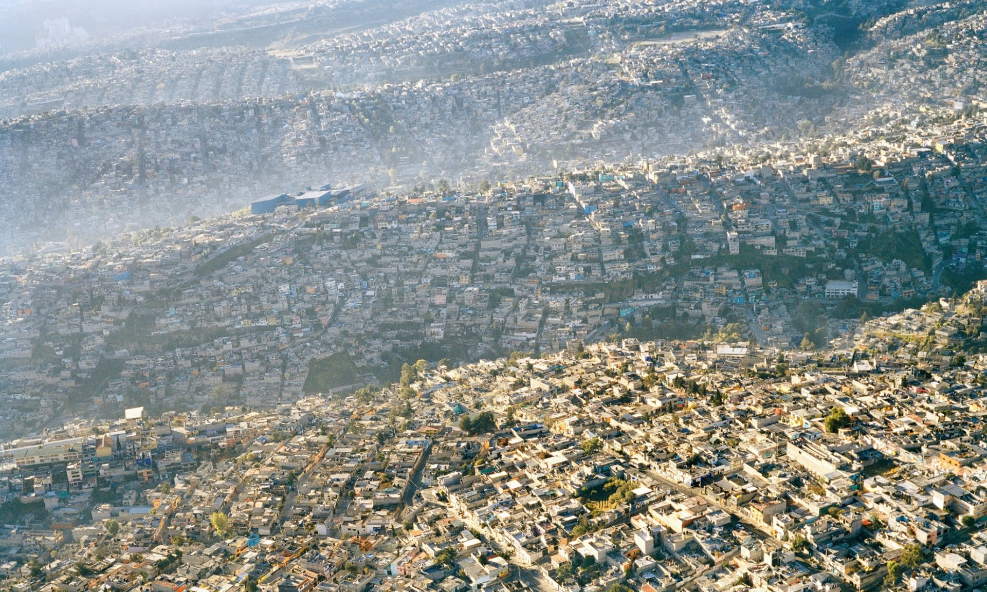Superpopulação e super consumismo, nossa triste realidade, imagem de ondas imobiliárias de superpopulação