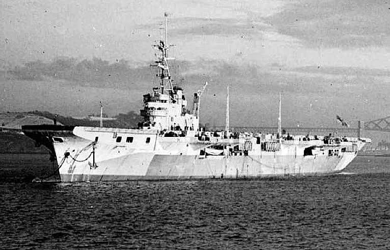 imagem do HMAS Vengeance, a serviço da Austrália.