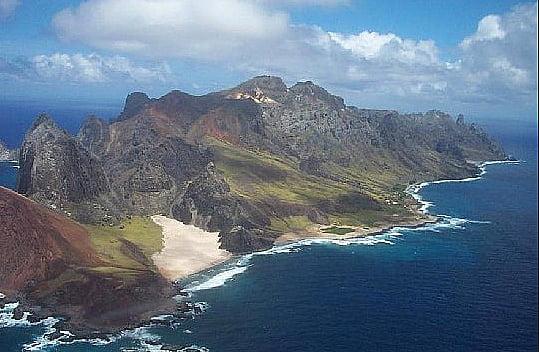 imagem da ilha de Trindade