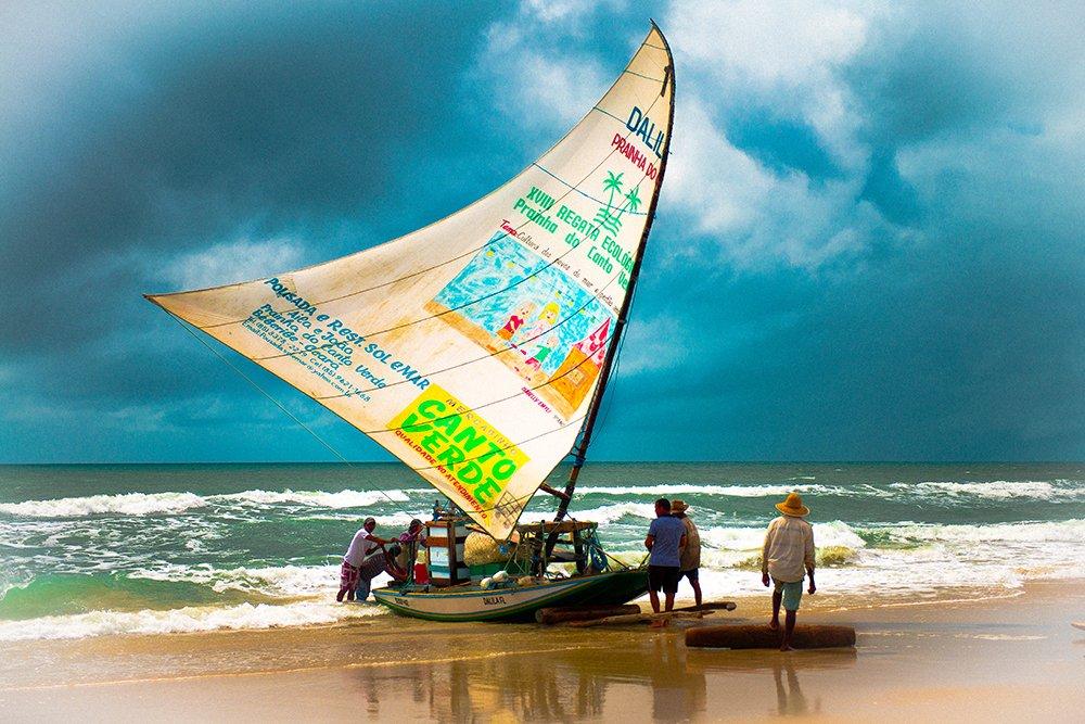 Resex Prainha do Canto Verde, imagem de jangada chegando na praia