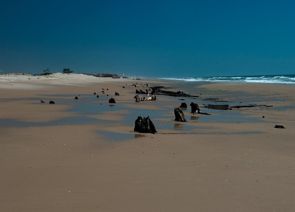 imagem de praia na Resex Batoque
