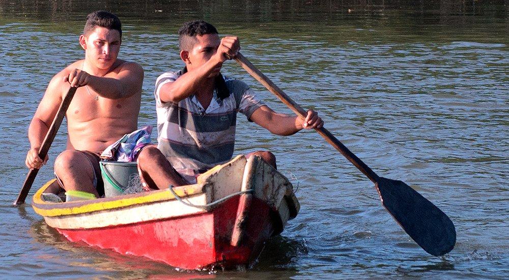 Resex Maracanã e Resex Chocoaré Mato Grosso, imagem de barco no rio