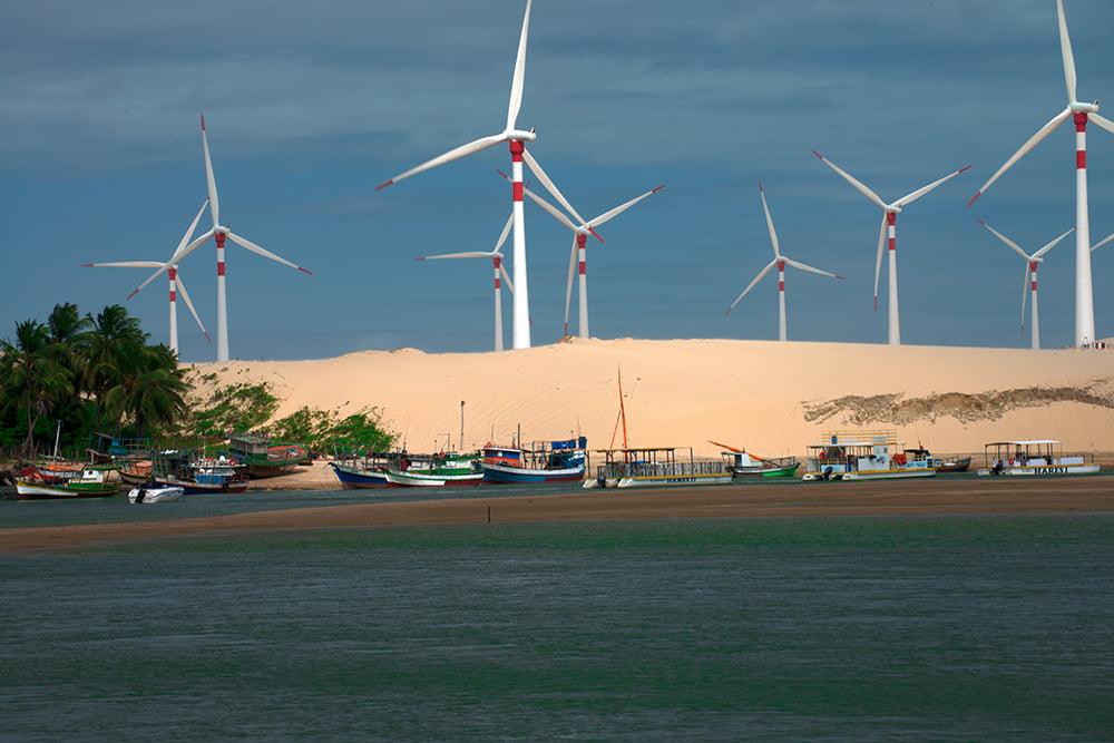 litoral, energia eólica, imagem do rio Mundaú com torres eólicas