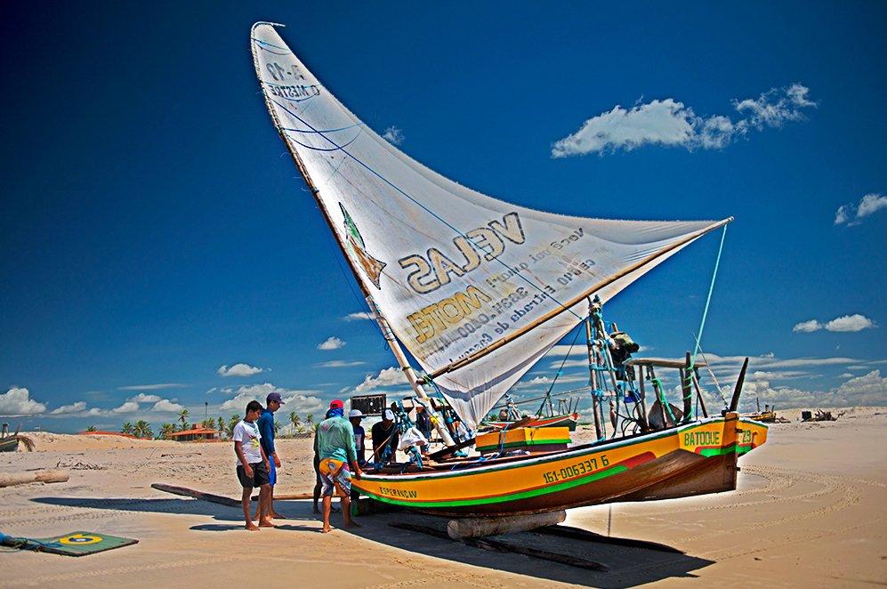 imagem de jangada na Reserva Extrativista do Batoque