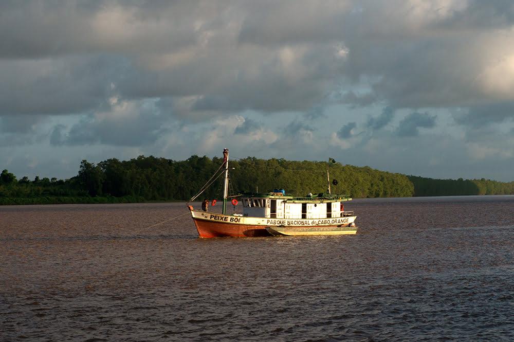 Parque Nacional do Cabo Orange, barco da unidade de conservação