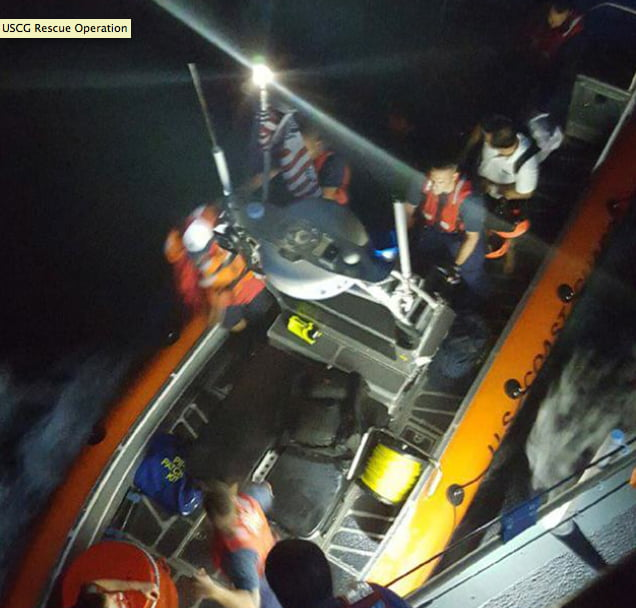Barco brasileiro afunda , imagem de tripulantes sendo resgatados no Caribe