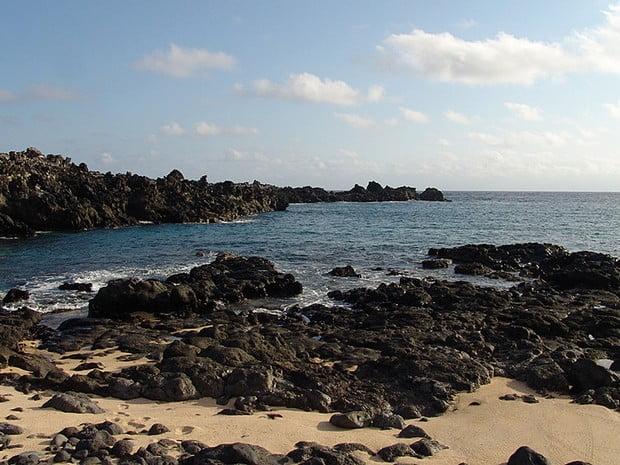 Inglaterra cria nova reserva marinha no Atlântico, imagem de ilha no atlântico