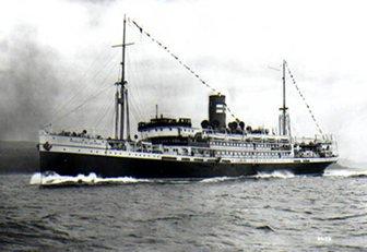 imagem do navio Príncipe de Astúrias navegando