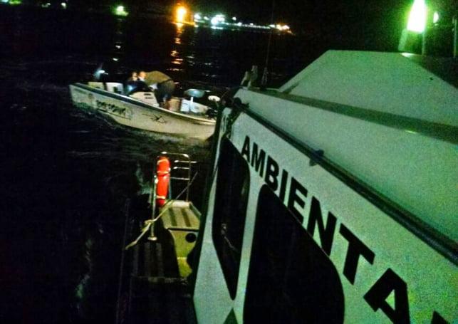 Assaltos a barcos no Brasil, imagem de lancha da polícia