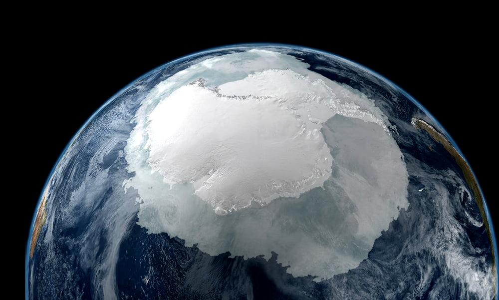 Baleia azul, boa notícia, imagem da antártica vista do espaço