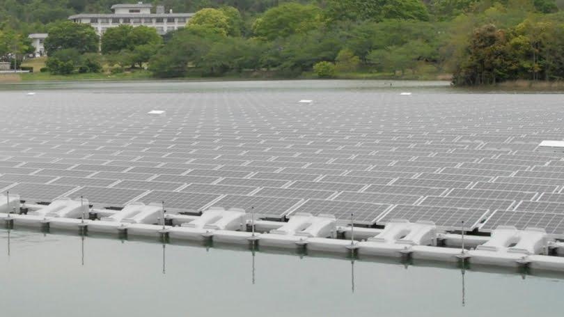 Usina solar flutuante, imagem de Usina solar flutuante
