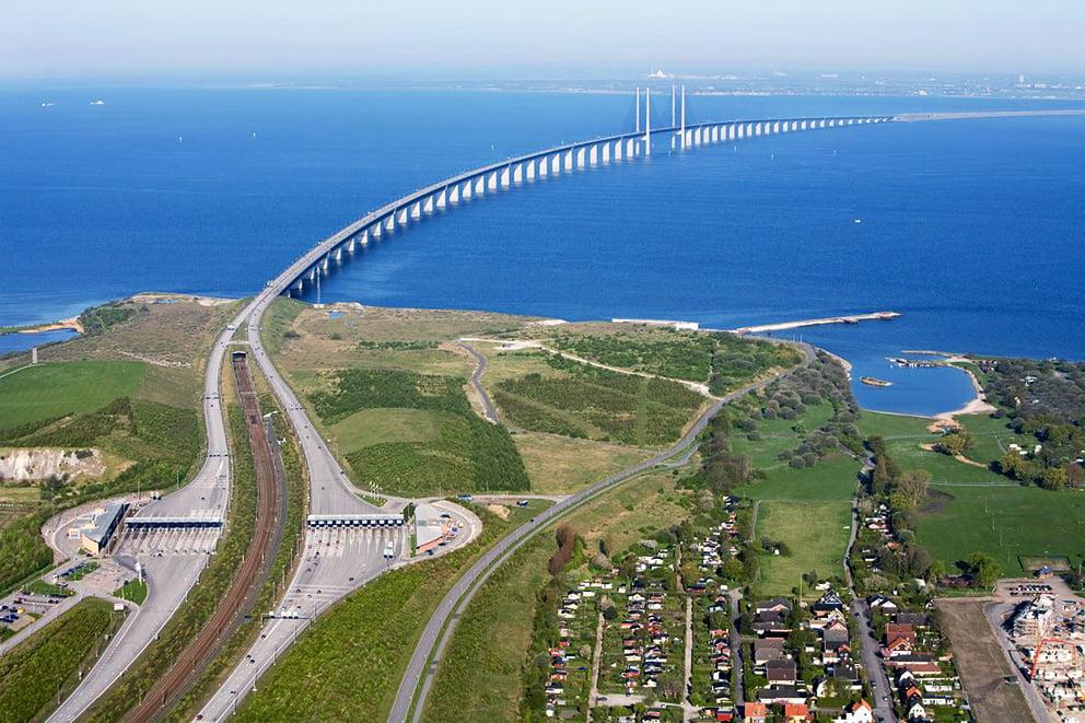 Ponte passa por baixo do oceano