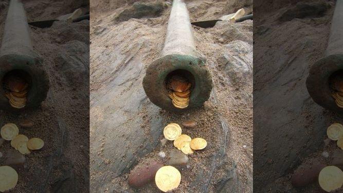 Tesouro encontrado em naufrágio, imagem de moedas de ouro de naufrágio