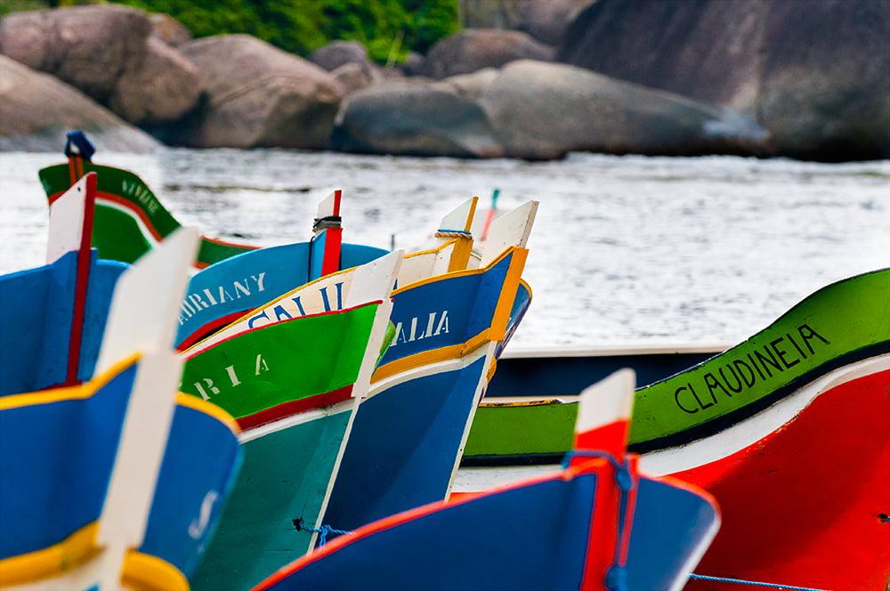 prefeito de Ilhabela, imagem de canoas de voga do Bonete, ilhabela