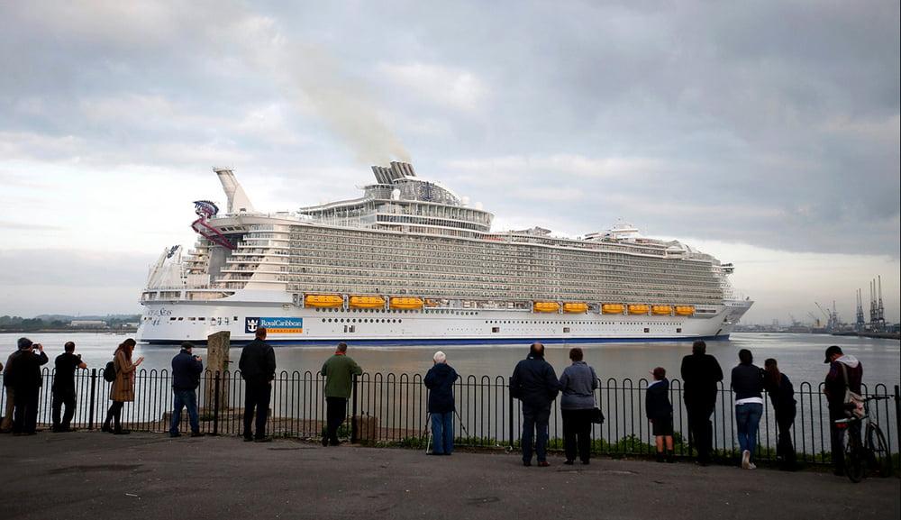 Poluição: navios, carros e aviões, imagem do navio Harmony Of The Seas