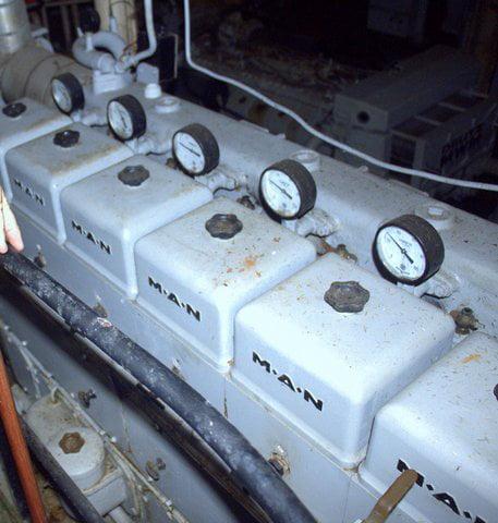 imagem do motor do navio Prof W Besnard