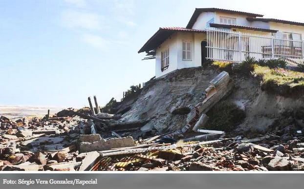 balneario-do-hermenefildo, imagem de casas destruídas no balneário do hermenegildo