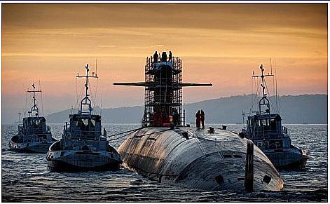 Submarino nuclear da Marinha, imagem de submarinos no mar