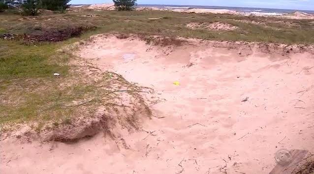 Capão da canoa, imagem de duna destruída em capão da canoa