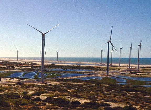 especulação, imagem de torres eólicas em areia branca, rio grande do norte