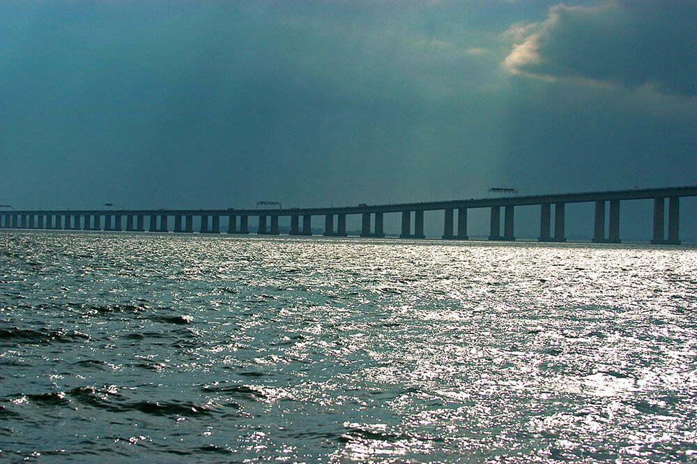 baía de guanabara, imagem da ponte Rio Niterói